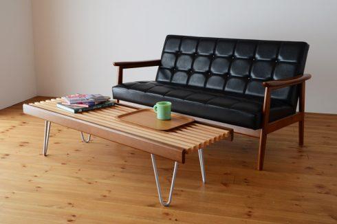 ソファテーブルとしてもベンチとしても使える826 STANDARD