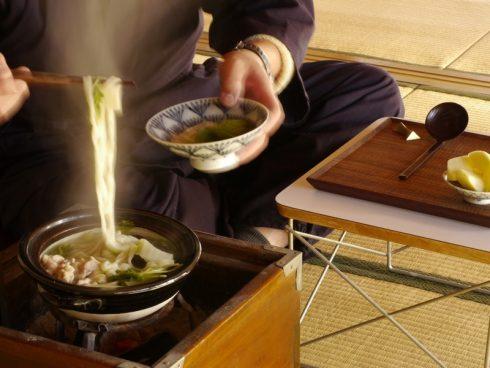 一人用土鍋で鍋焼きうどん