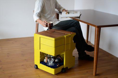 カリモク60のダイニングテーブルでも快適に使えるボビーワゴン