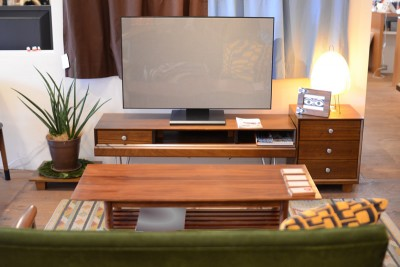 826STANDARD UNITのTVボード
