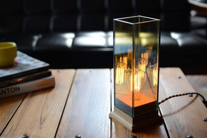KチェアとWood Base Lamp(ウッドベースランプ)