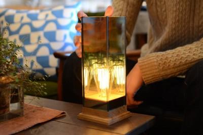 Wood Base Lampのガラスの見え方