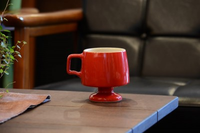 カリモク60とミッドセンチュリーなマグカップ