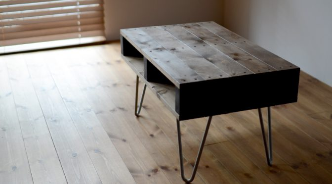 DIYで簡単に作れるカッコいいローテーブル