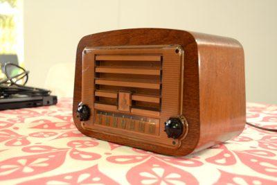 イームズデザインのラジオ