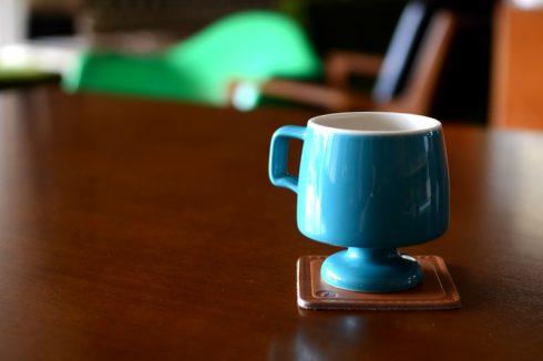 コーヒーカップにゴブレットマグを