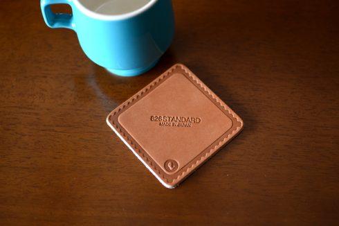 コーヒーカップに合わせる新しいコースター