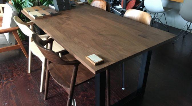 ウォールナット無垢のテーブル、実際はどうなの?