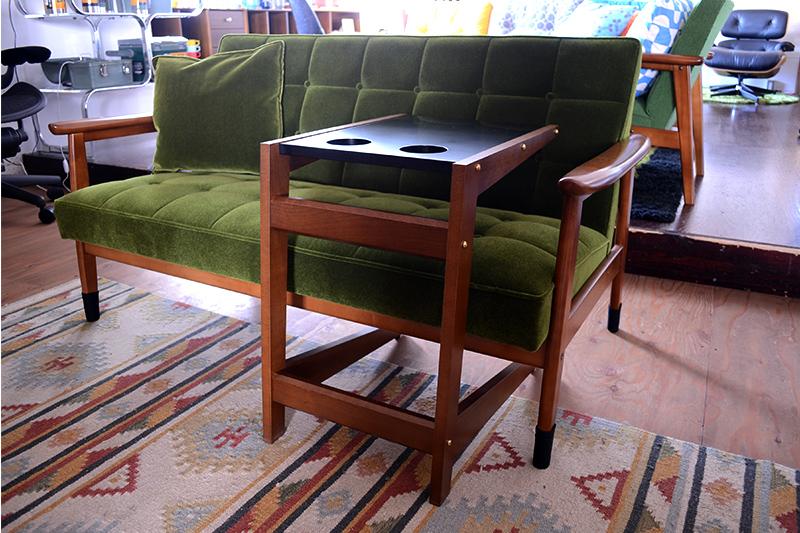 ソファーフロートテーブル