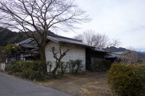 古民家岡井邸はアンティーク時代雛の展示