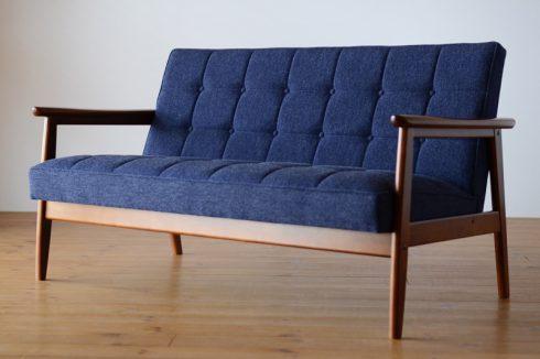 デニムのような風合いがかっこいいソファ カリモク60 Kチェア タープブルー