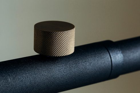 DRAW A LINE(ドロー ア ライン)の真鍮製のつまみ