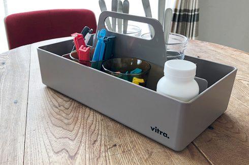サガワが使うVitra(ヴィトラ) ツールボックス モーブグレー