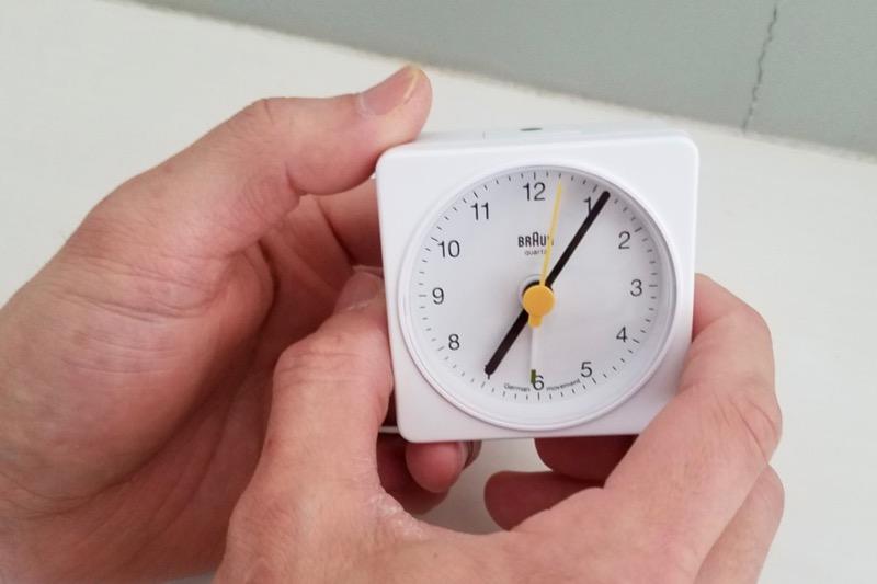 視認性が高くて清潔感のある時計