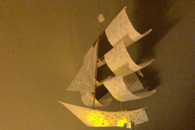 ライトを仕込んだ船