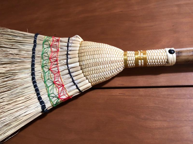 織りが美しい師匠の箒