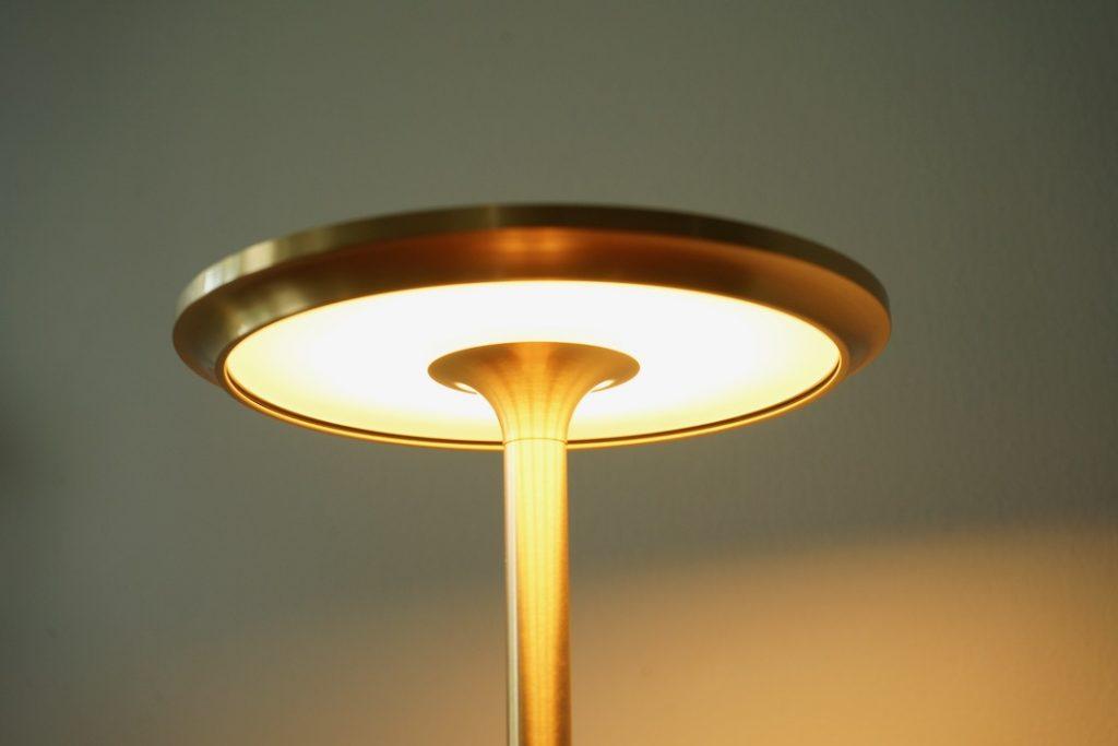 TURNは調光付きのLED光源
