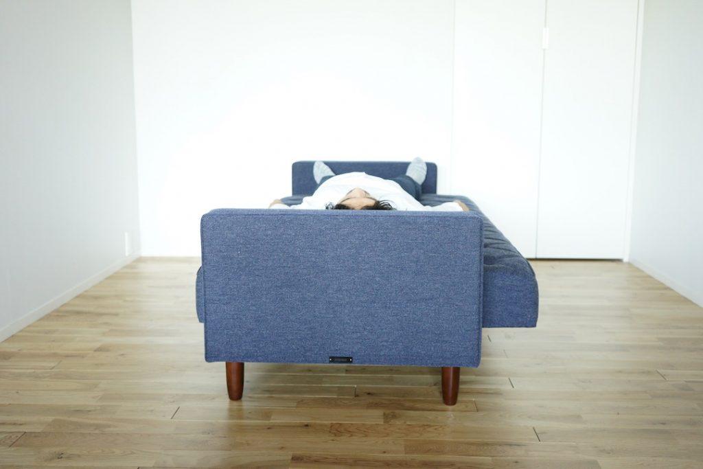 ベッド時はシングルよりやや小さなサイズ感