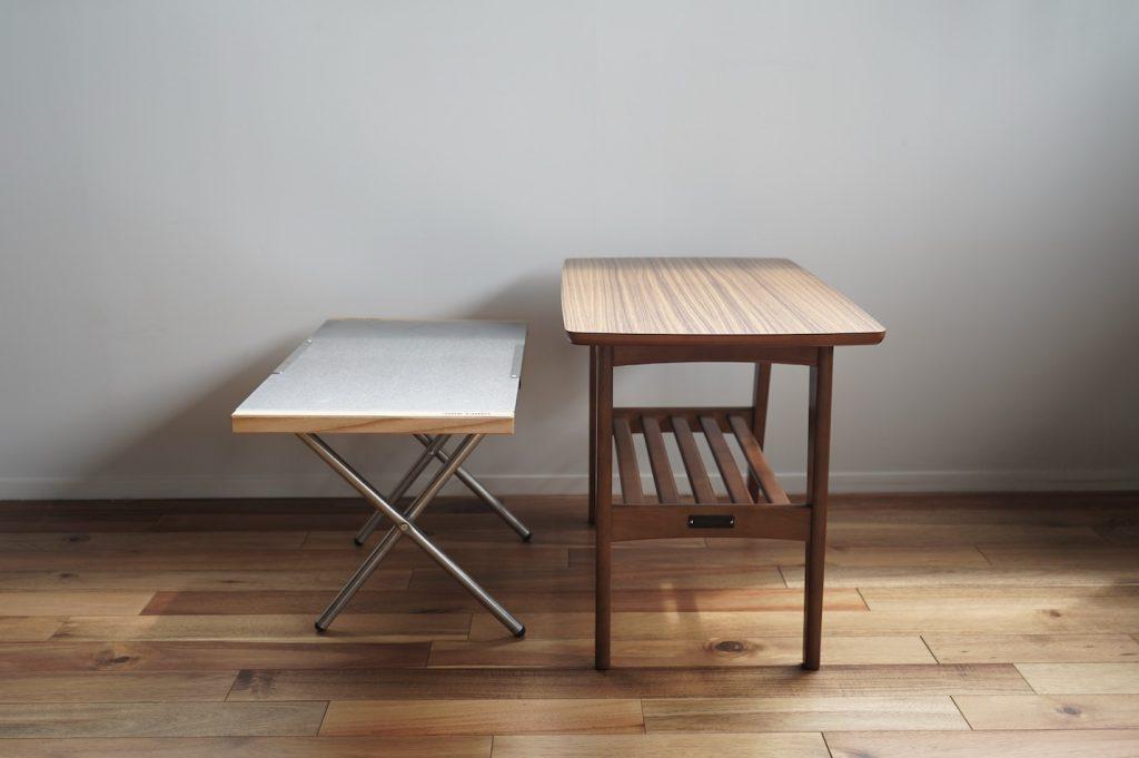 ユニフレーム焚火テーブルとカリモク60サイドテーブル